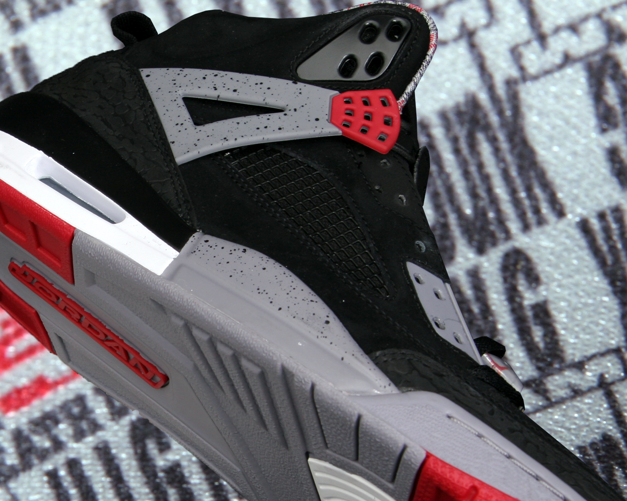 Wallpaper: Jordan Spizike Cement