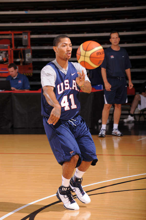 derrick rose adizero 20. guard Derrick Rose dishes