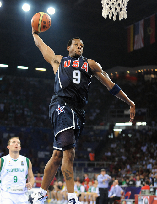 Andre Iguodala Takes Flight In The Nike Hyperdunk 2010