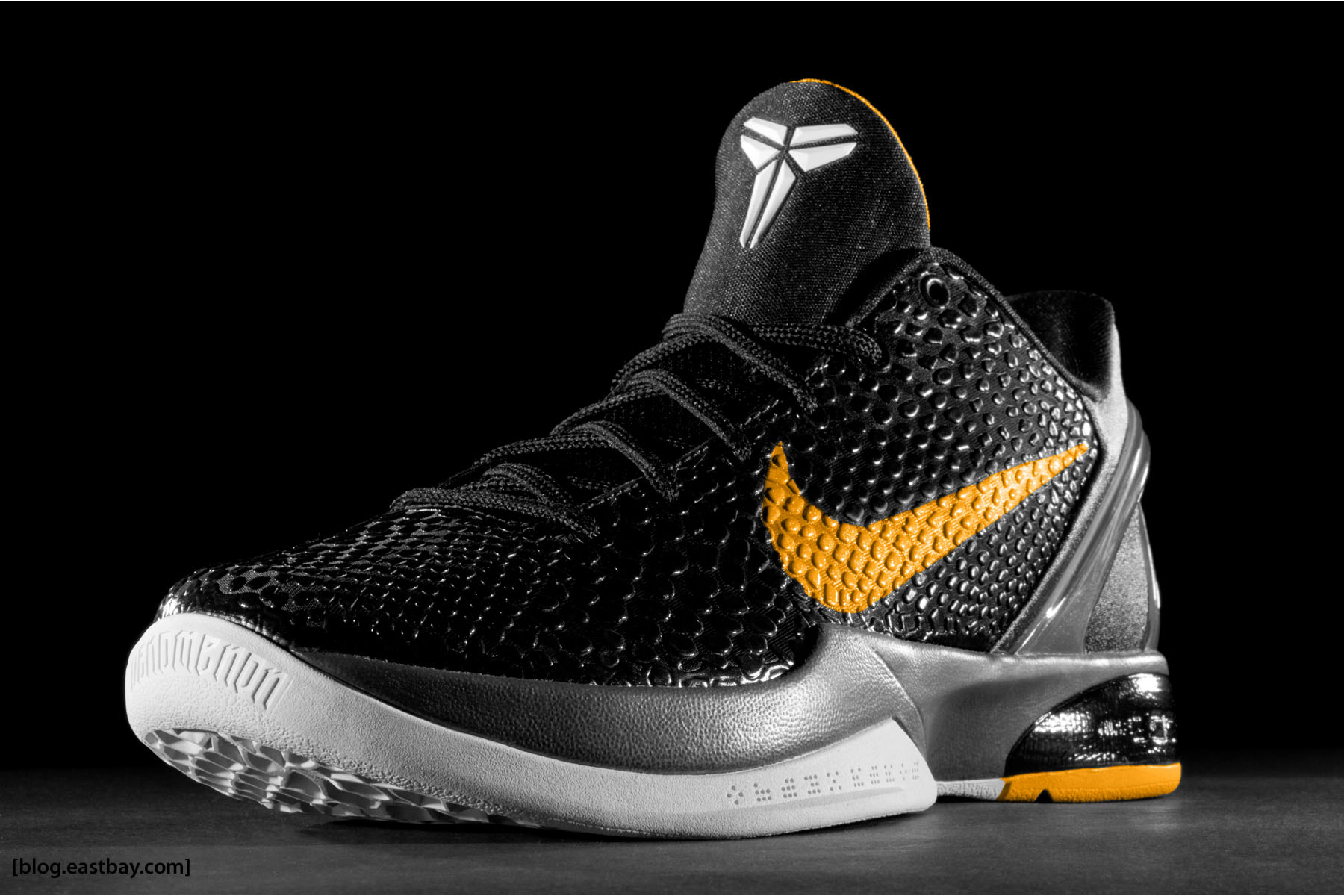 Wallpaper: Nike Zoom Kobe VI Del Sol