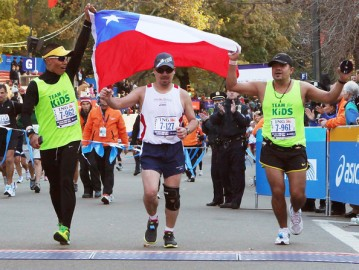 Edison Peña finishes the NYC Marathon.