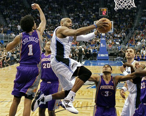 vince carter shox. Vince Carter in the Nike Shox