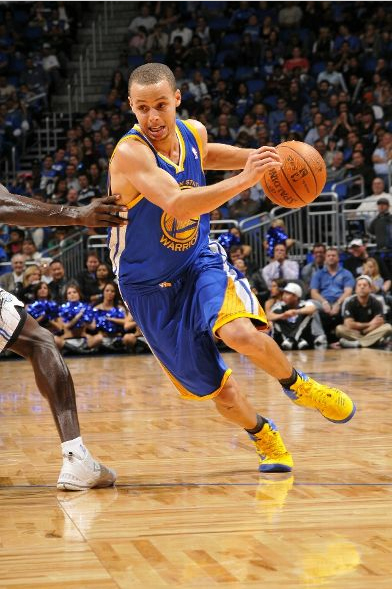 Stephen Curry Shoes Hyperfuse Stephen curry drives in a peStephen Curry Shoes 2011