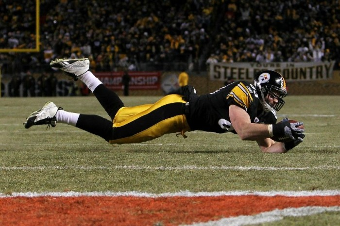 Heath Miller wearing the Reebok NFL U-Form 4 Speed Mid