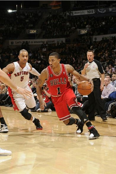 Derrick Rose in the adidas adiZero Rose 1.5.