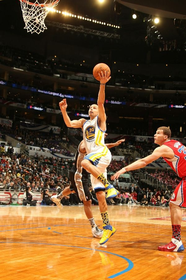 Stephen Curry wearing the Nike Air Max Fly By