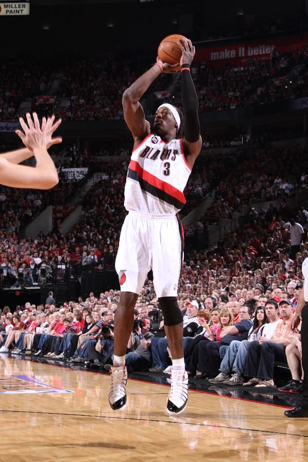 Gerald Wallace wearing Jordan Play In These F