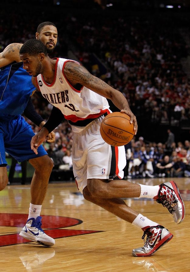 LaMarcus Aldridge wearing the Nike Hyperdunk 2010