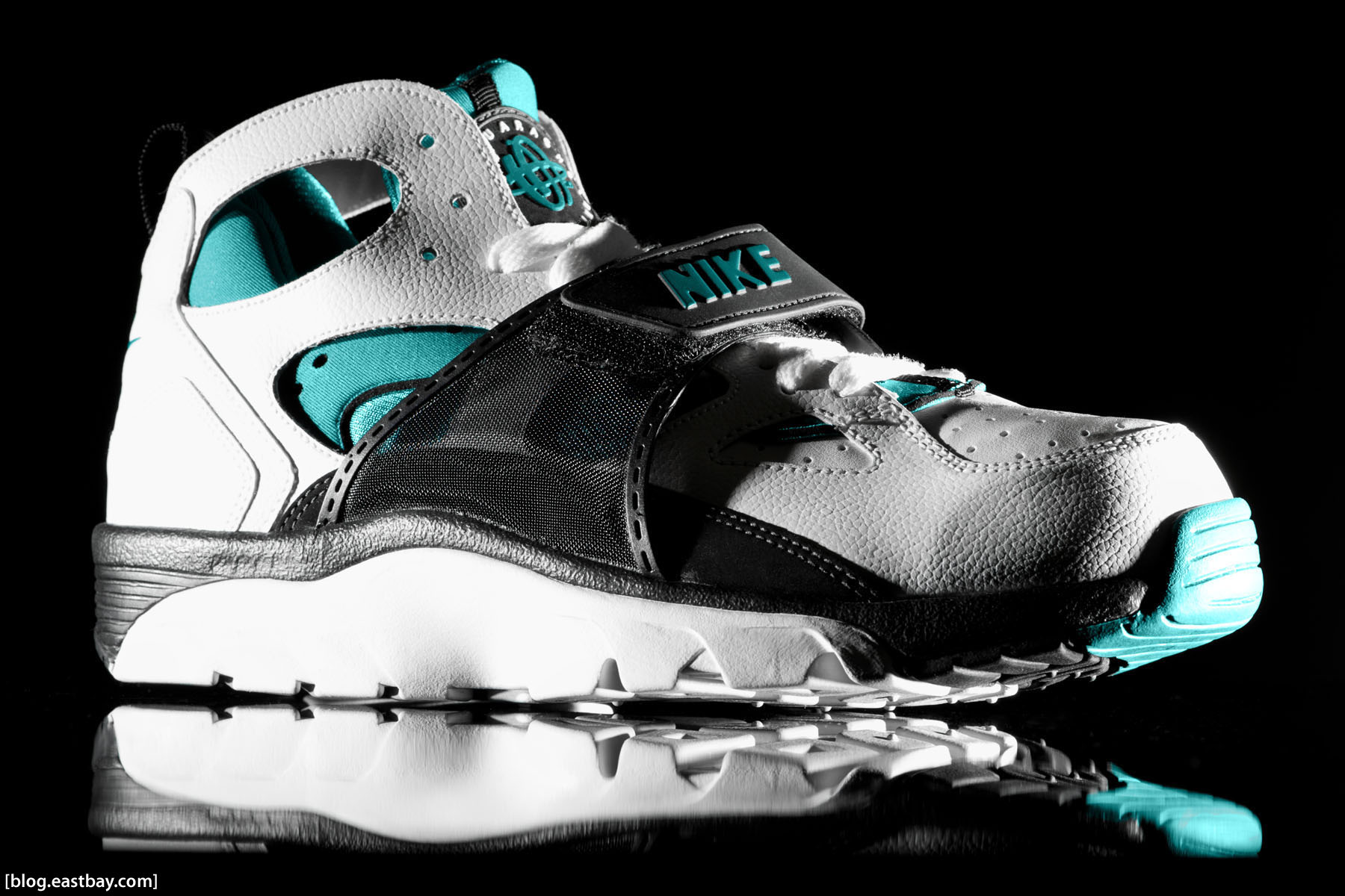 new product 9ea08 157d6 Wallpaper: Nike Air Huarache Trainer | Eastbay Blog ...