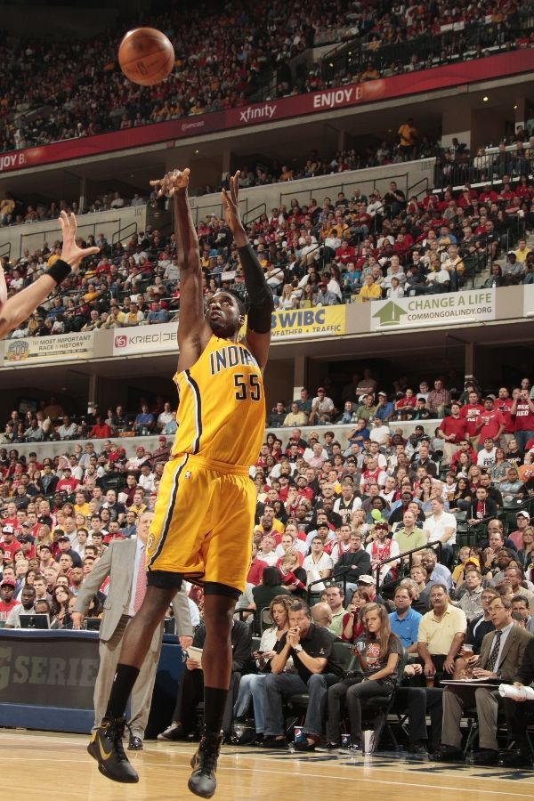 Roy Hibbert wearing the Nike Hyperdunk 2010