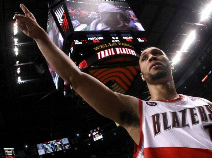 Sneaker Watch: Brandon Roy's Heroics Help Blazers Even Series