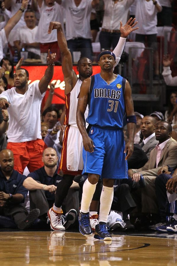 Jason Terry wearing the Reebok Zig Slash.