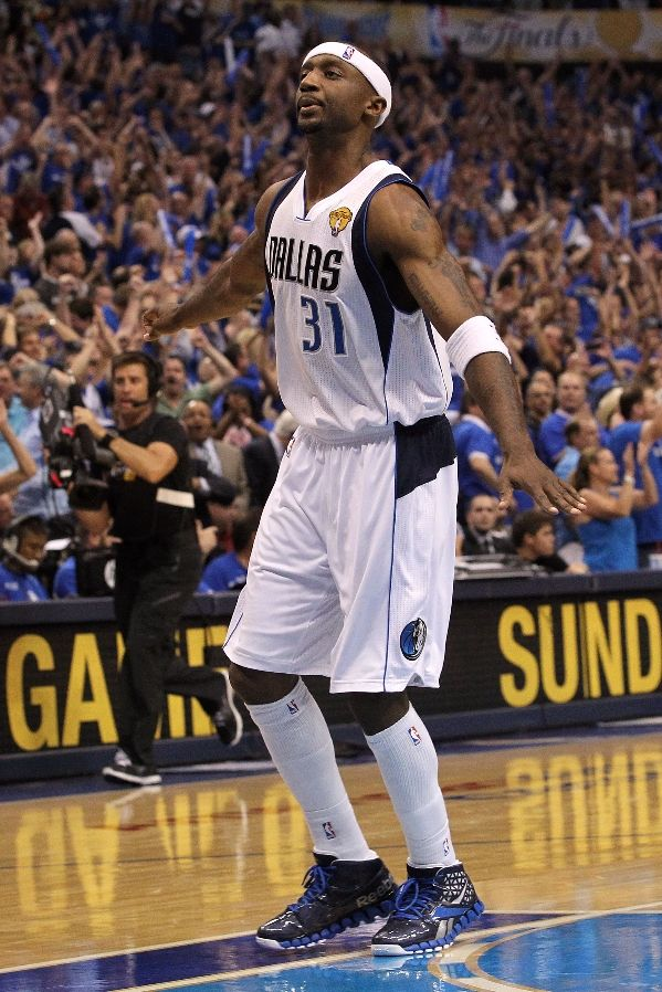 Another look at the Reebok Zig Slash worn by Jason Terry. f63cb8bb9