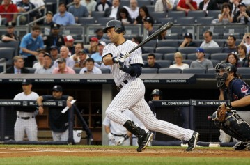 Derek Jeter collects hit number 2,994. Image courtesy of Yahoo.