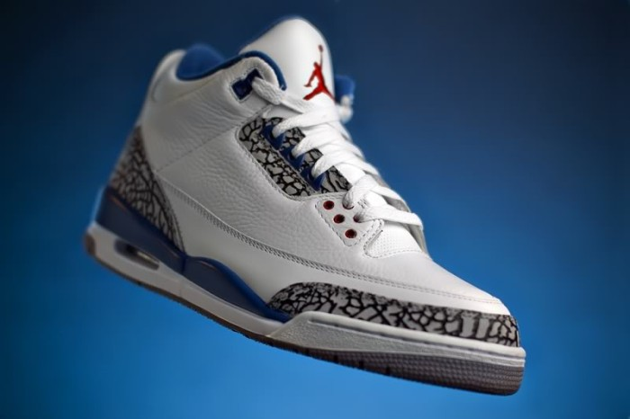 "Sole Shots: ""True Blue"" Air Jordan III – quickster"