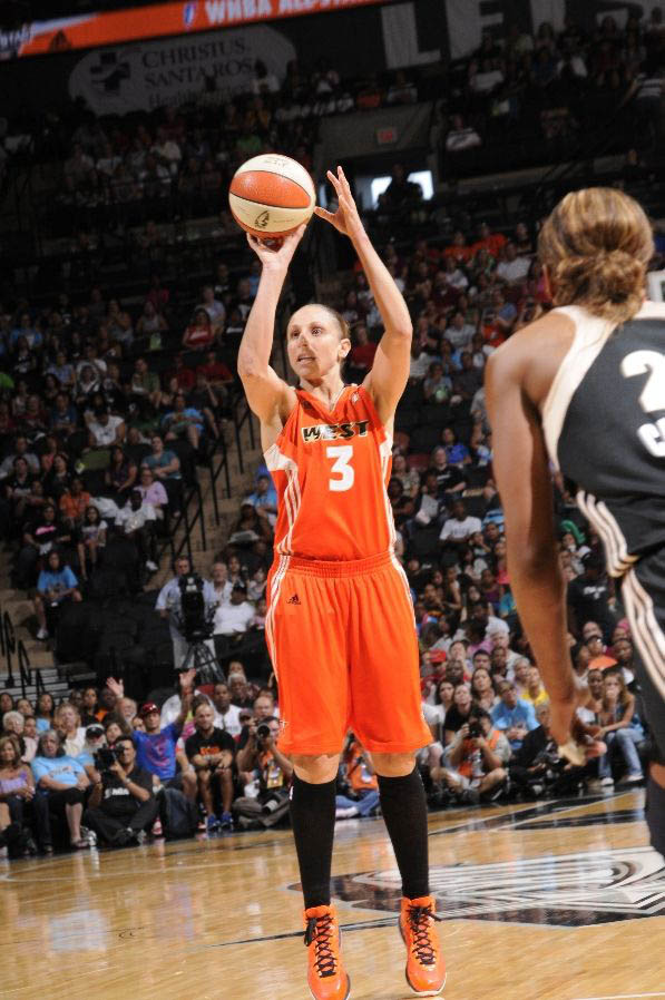 Diana taurasi hair down