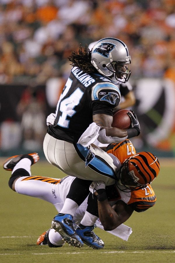 D'Angelo Williams wearng Nike air Zoom Merciless