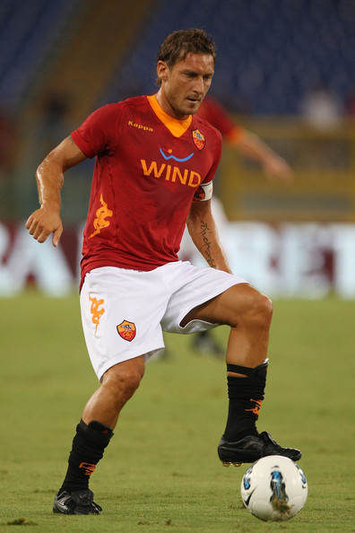 Francesco Totti of AS Roma wearing all black Nike boots in the UEFA Europa League playoffs.