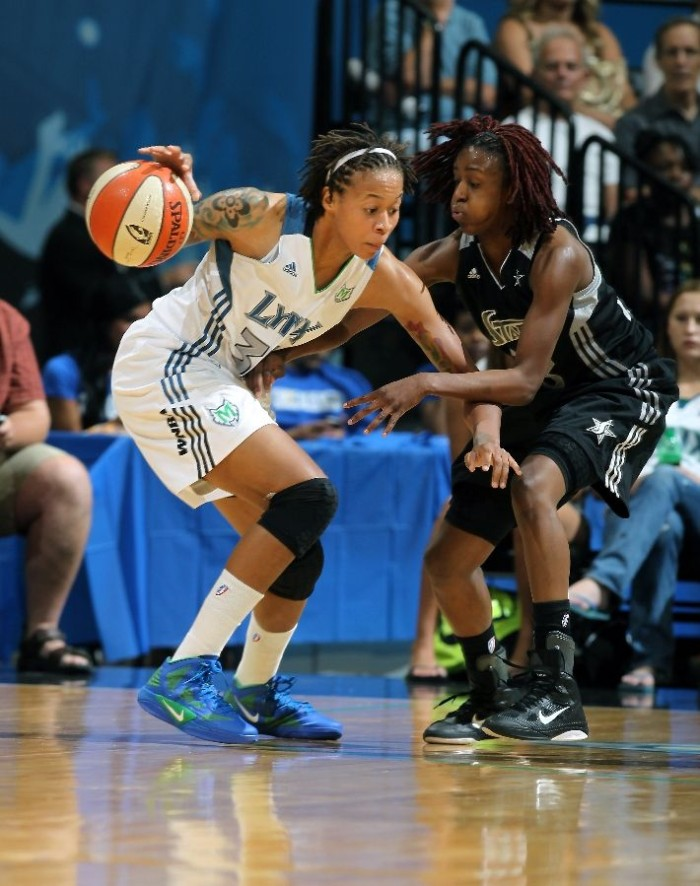 Seimone Augustus wearing Nike Zoom Hyperfuse 2011; Danielle Robinson wearing Nike Zoom Hyperfuse