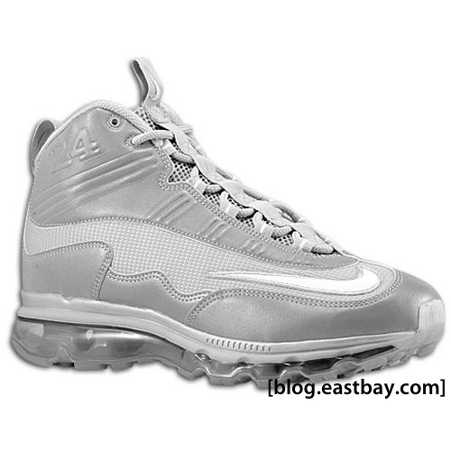 Available now  Nike Air Max Jr. – Metallic Silver White. Author  Luis.  Tags  Air Max Jr ... 414ce5d202