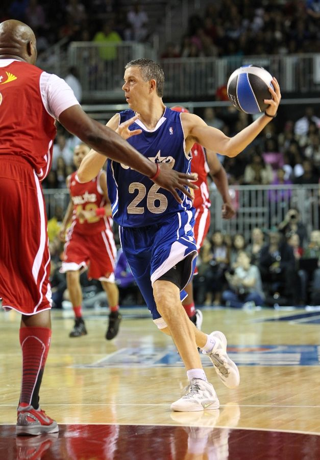 Arne Duncan wearing Nike Zoom Hyperfuse 2011