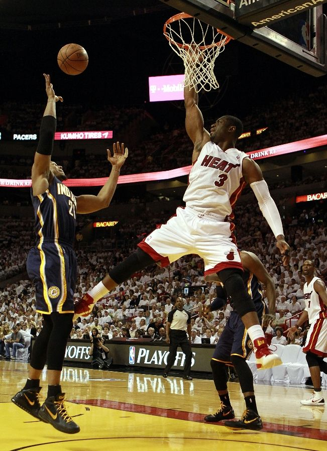 David West wearing Nike Air Max Hyperdunk 2011