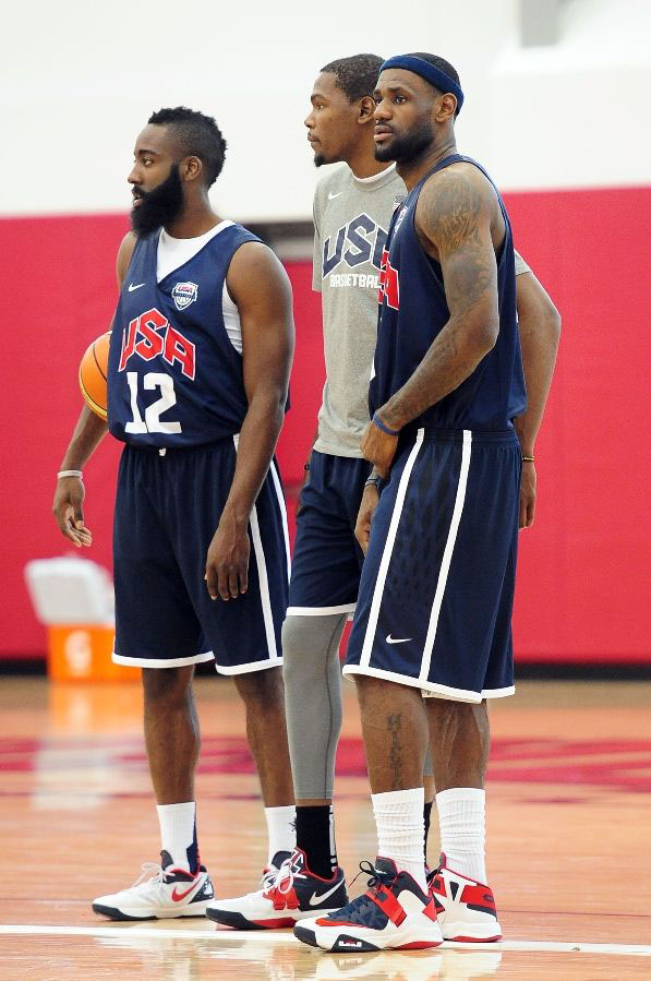 LeBron James Wears Nike Zoom Soldier VI USA (1)