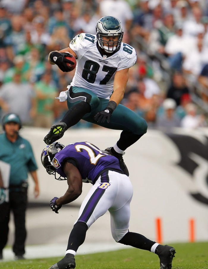 Brent Celek wearing Nike Alpha Talon Elite 3/4