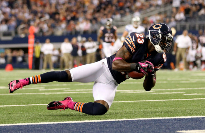 Devin Hester wearing Nike Vapor Pro Low TD Breast Cancer Awareness
