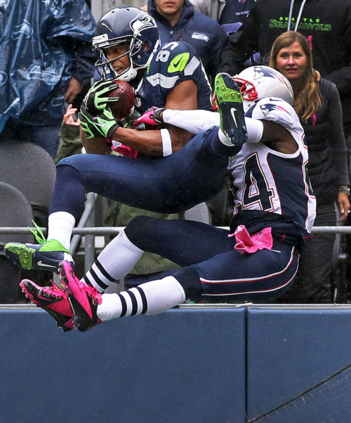 Doug Baldwin wearing Nike Vapor Talon Elite Low PE