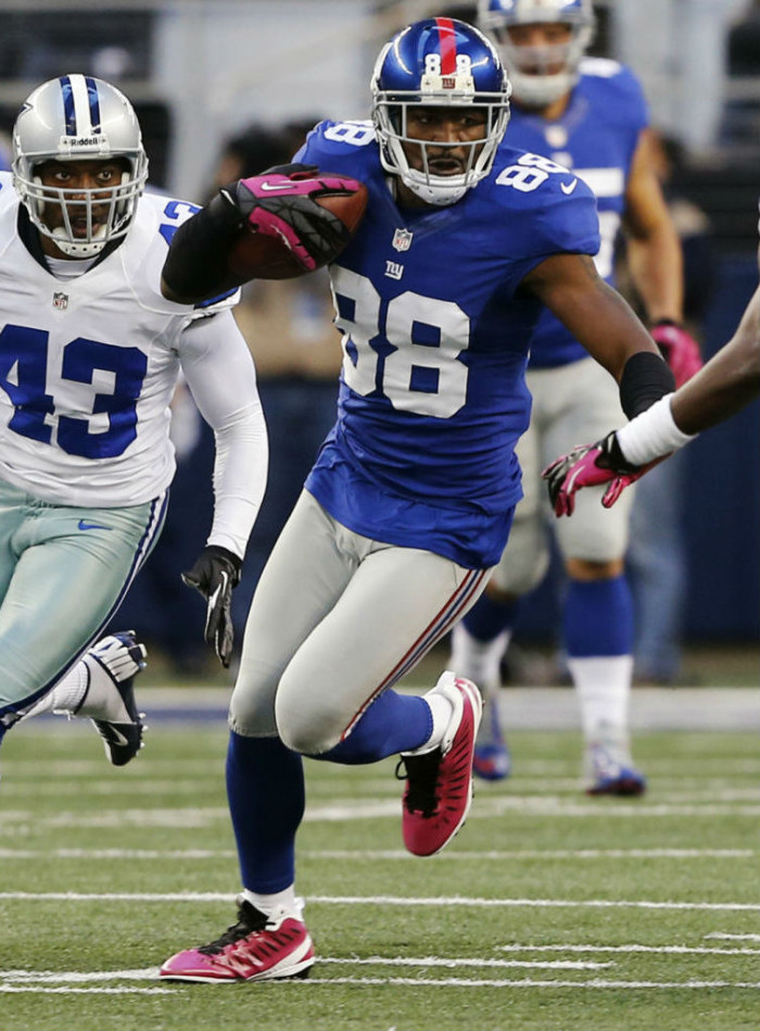 Hakeem Nicks wearing Jordan Super.Fly Breast Cancer Awareness