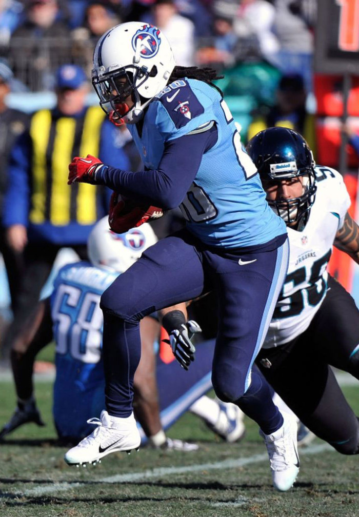 79402738a84f ... Chris Johnson wearing Nike Alpha Pro 34 TD hot product 6b65e 6c8f0 . ...