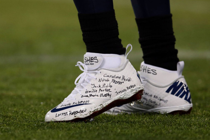 Chris Johnson wearing Nike Lunar Superbad Pro for Sandy hook Elementary (3)