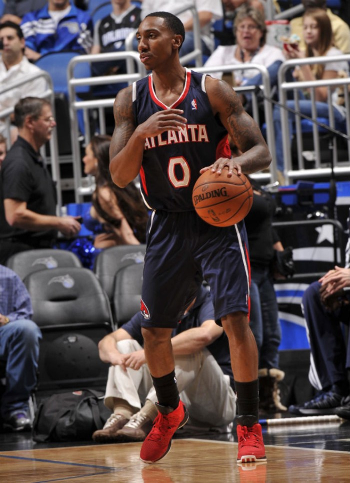 Jeff Teague wearing adidas Rose 3 Brenda