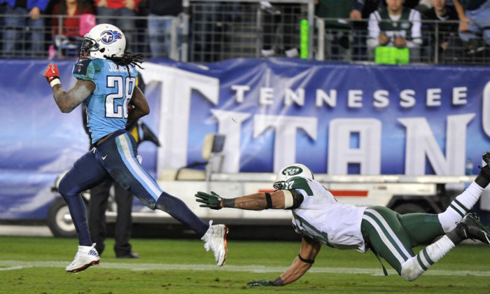 NFL Watch // Chris Johnson Honors Sandy hook in Titans Win