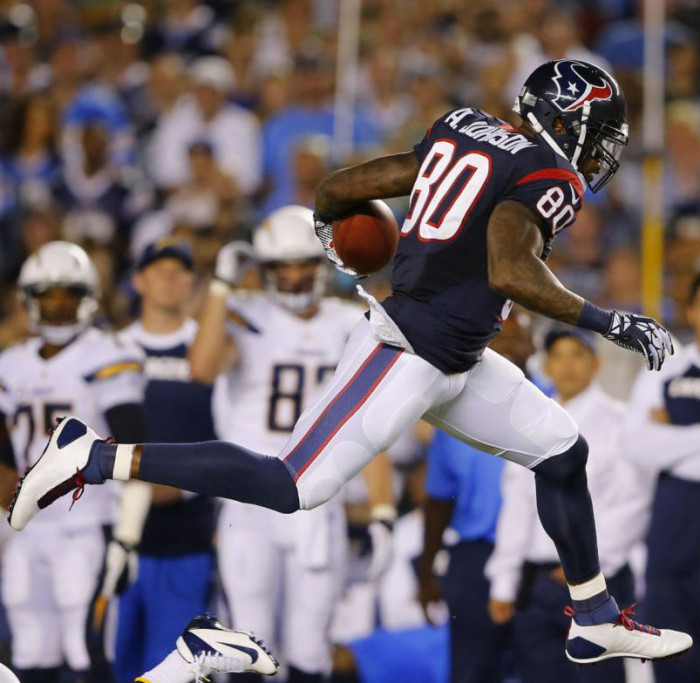 Andre Johnson wearing Jordan Dominate Pro Cleats