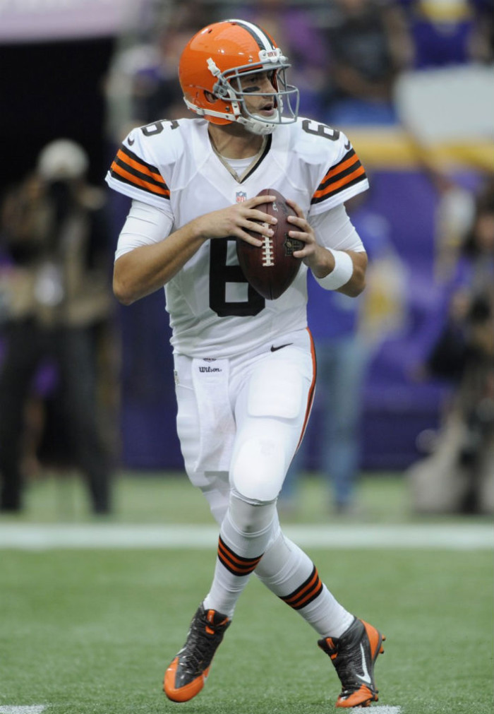 Brian Hoyer wearing Nike Alpha Pro 3/4 Browns