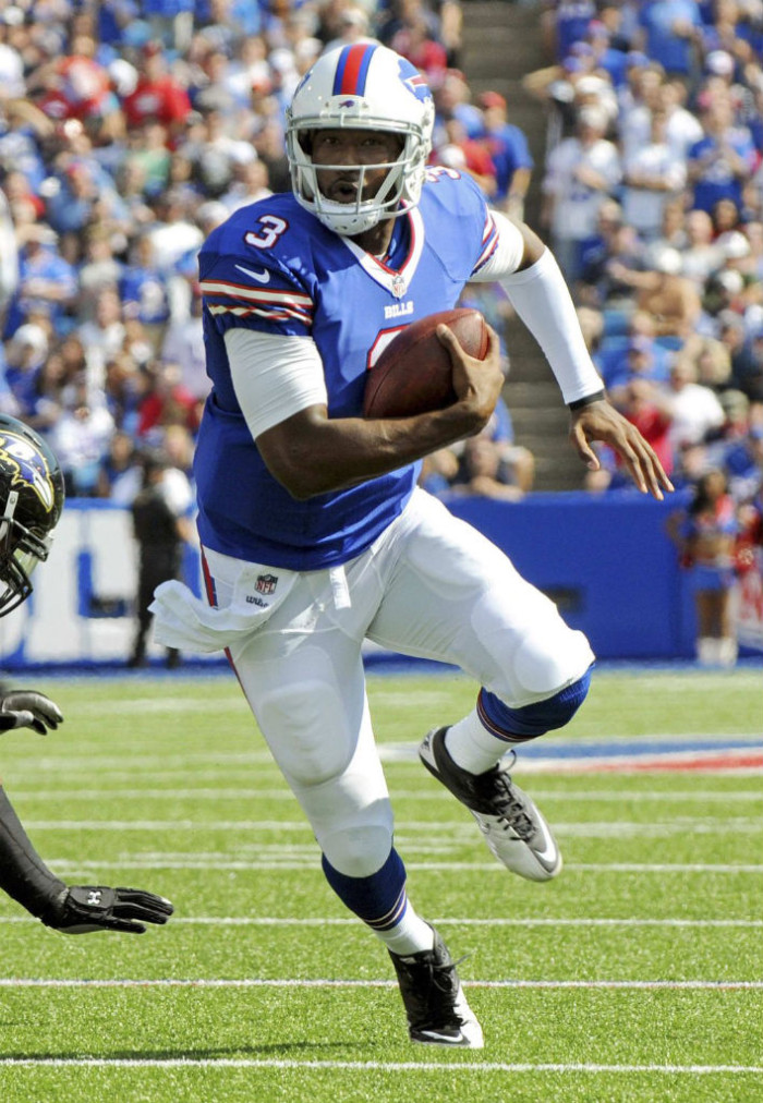 EJ Manuel wearing Nike Super Speed 3/4