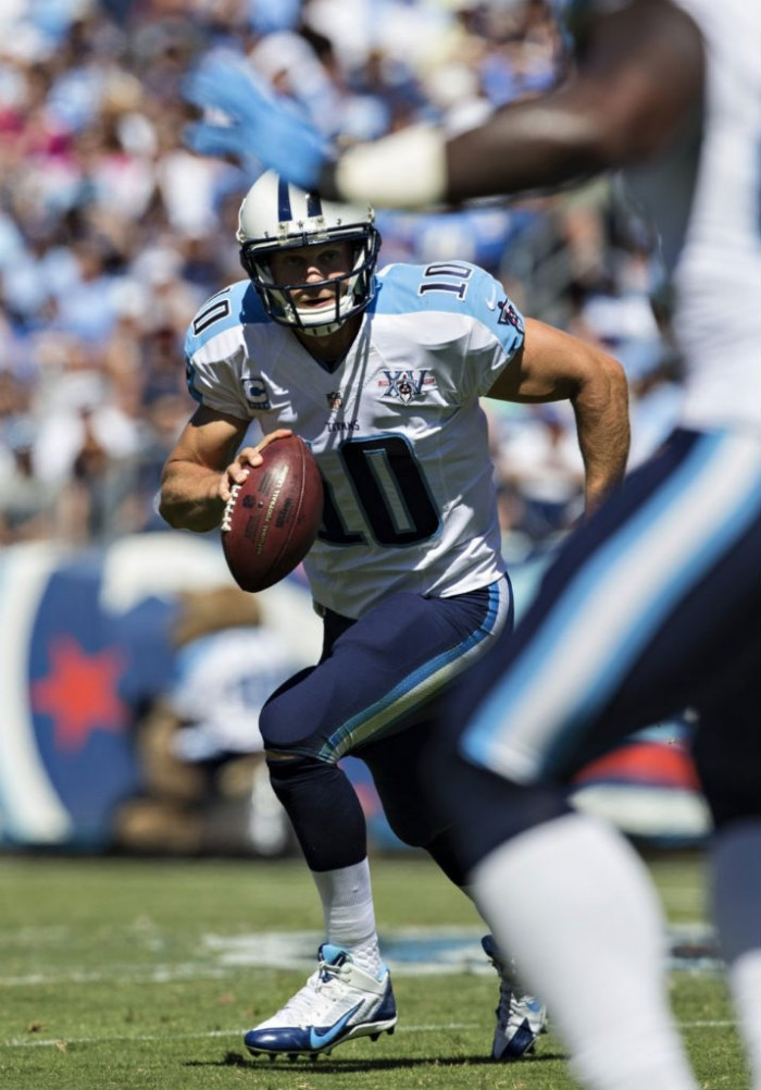Jake Locker wearing Nike Alpha Pro 3/4 Titans