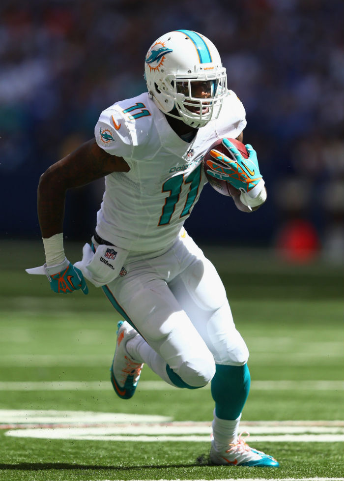 Mike Wallace wearing Nike Zoom Carbon Fly 2