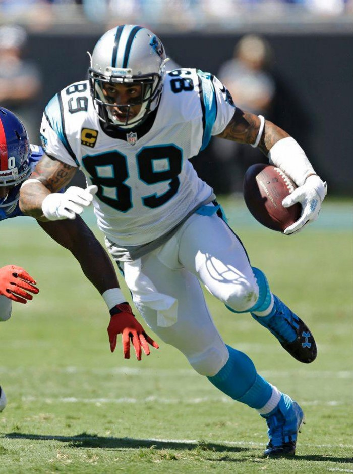 Steve Smith wearing Under Armour Mercenary 5/8 MC