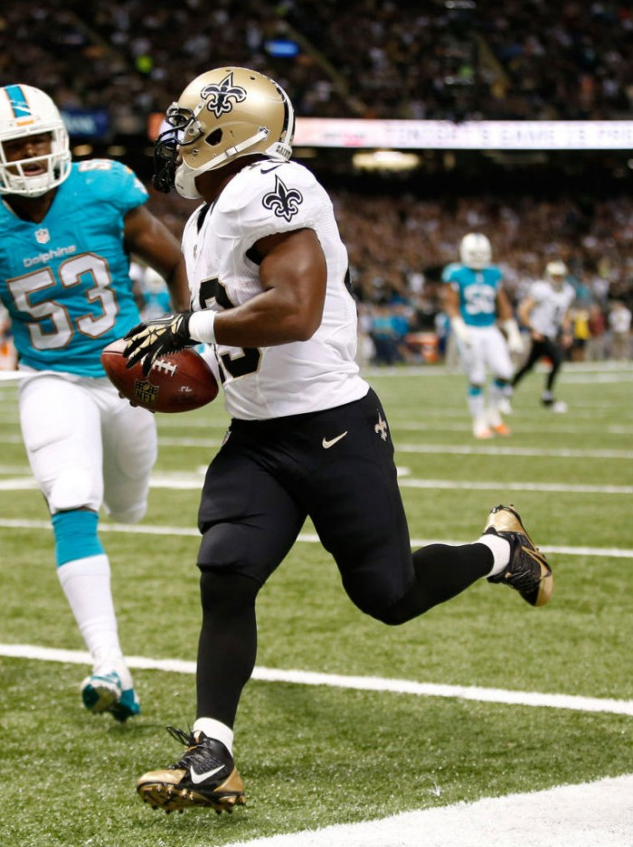 Darren Sproles wearing Nike Alpha Pro 3/4 TD