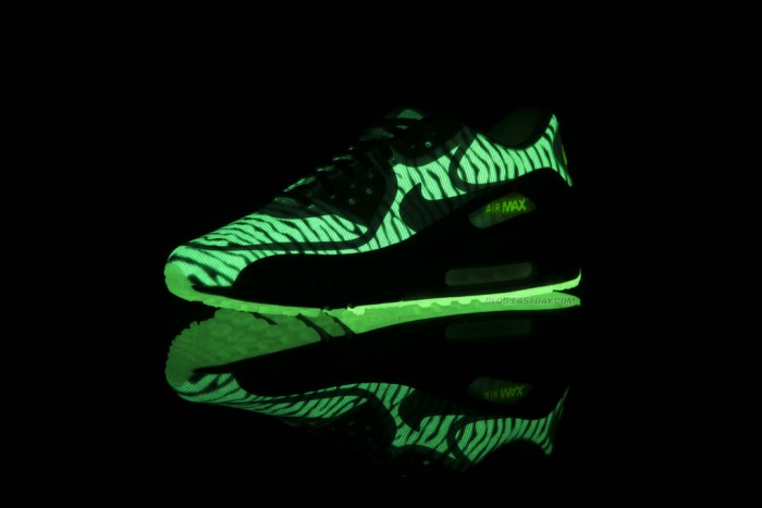 Nike Air Max 90 CMFT Premium Tape - Glow in the Dark (6)