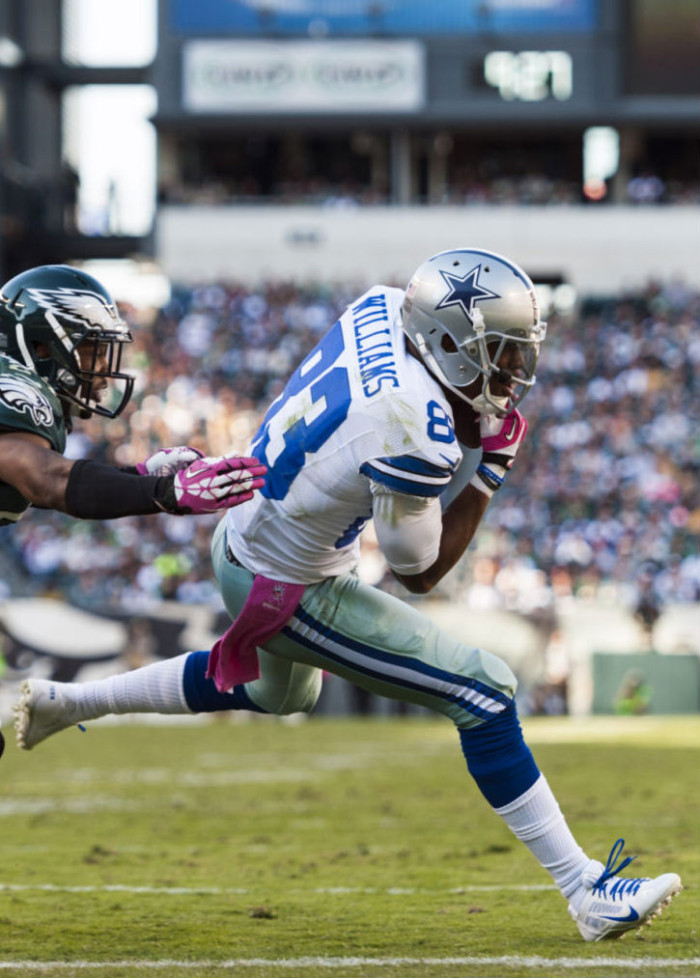 Terrance Williams wearing Nike Alpha Pro 3/4 White/Blue