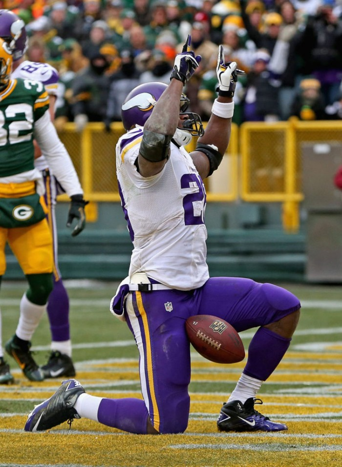 Adrian Peterson wearing Nike Super Speed 3/4