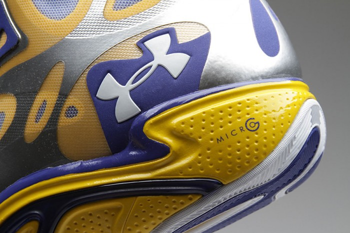 Stephen Curry's Under Armour Anatomix Spawn Silver PE (2)