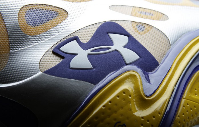 Stephen Curry's Under Armour Anatomix Spawn Silver PE (4)