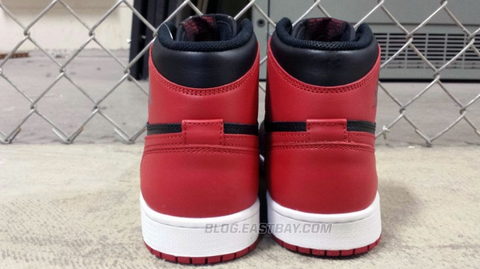 Air Jordan 1 Retro High OG 'Bred' (3)
