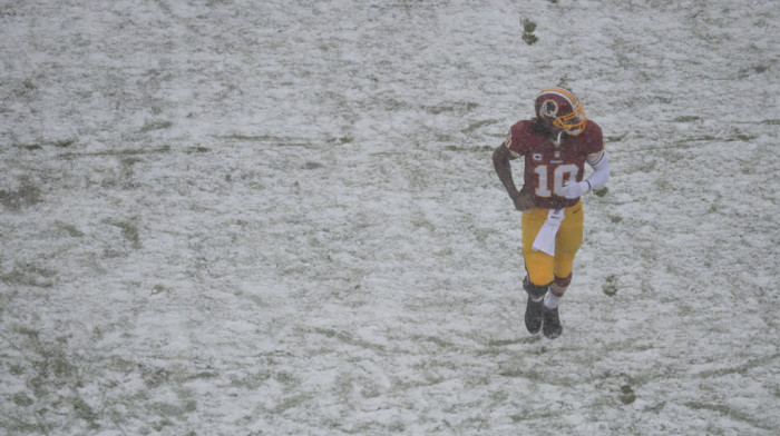 NFL Watch // Snowy Scenery For Memorable NFL Sunday // Kansas City Chiefs vs. Washington Redskins