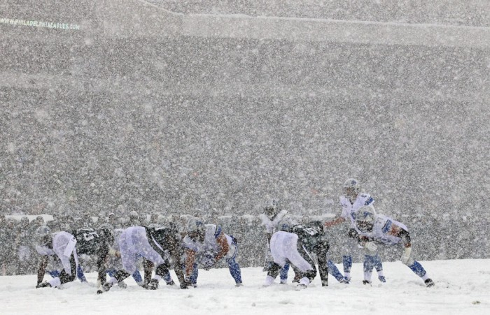 NFL Watch // Snowy Scenery For Memorable NFL Sunday // Lions vs. Eagles